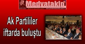 Ak-Partililer-iftarda-bulustu